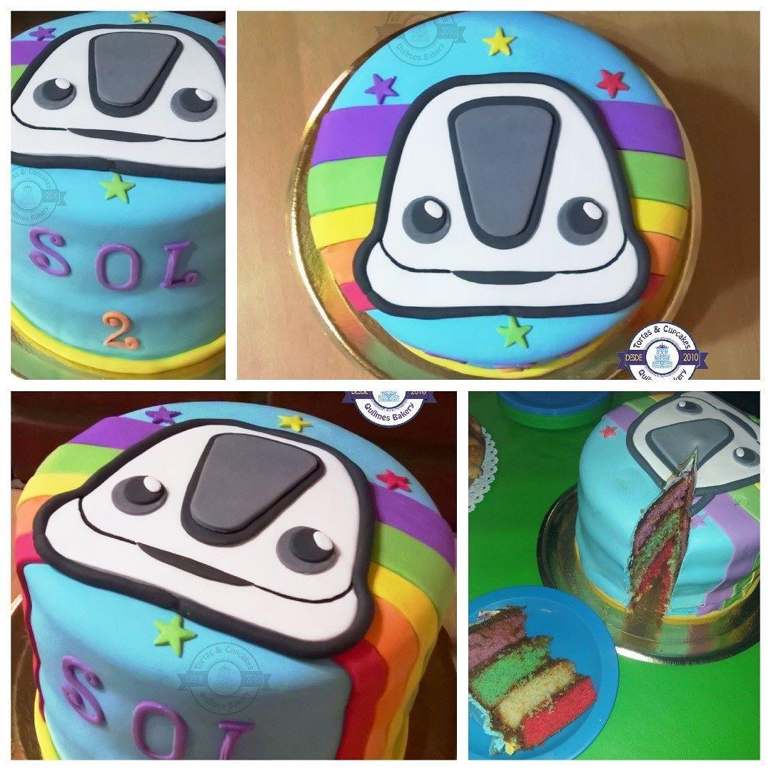 #Sol es #fan de #juniorexpress y quiso su #torta con la #tematica y el #logo del #programa y con capas de #colores . El #tren llegó a su #cumpleaños lleno de #dulzura y #diversion  Mirá como quedó su #cake y encontra más #fotografias en nuestra #fanpage de #facebook #tortasycupcakesquilmes . #mesadulce #cupcakes #cakepops #cookies #candy #candybar #props para fotos #banderin #señaladores para la #mesa y más... Buscanos como #tortasycupcakesquilmes en #facebook y enterate de todas las…