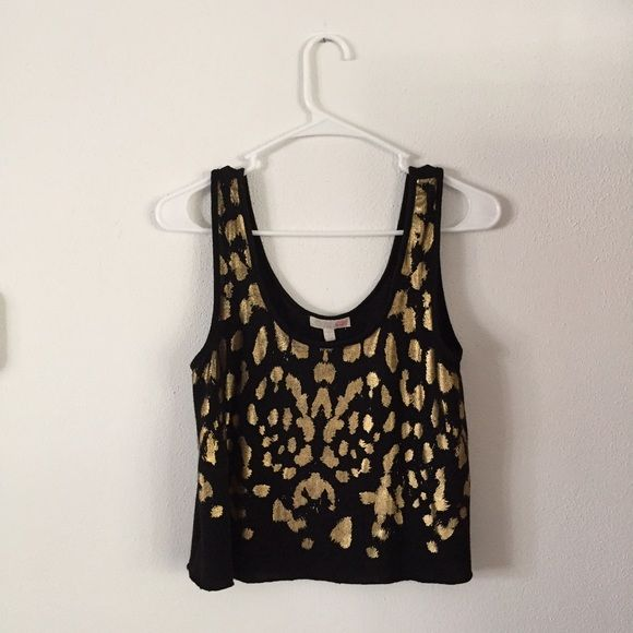 Gianni Bini ✾ Metallic Tank Showstopper! • Low-cut neckline • Metallic gold 'cheetah' print Gianni Bini Tops Tank Tops
