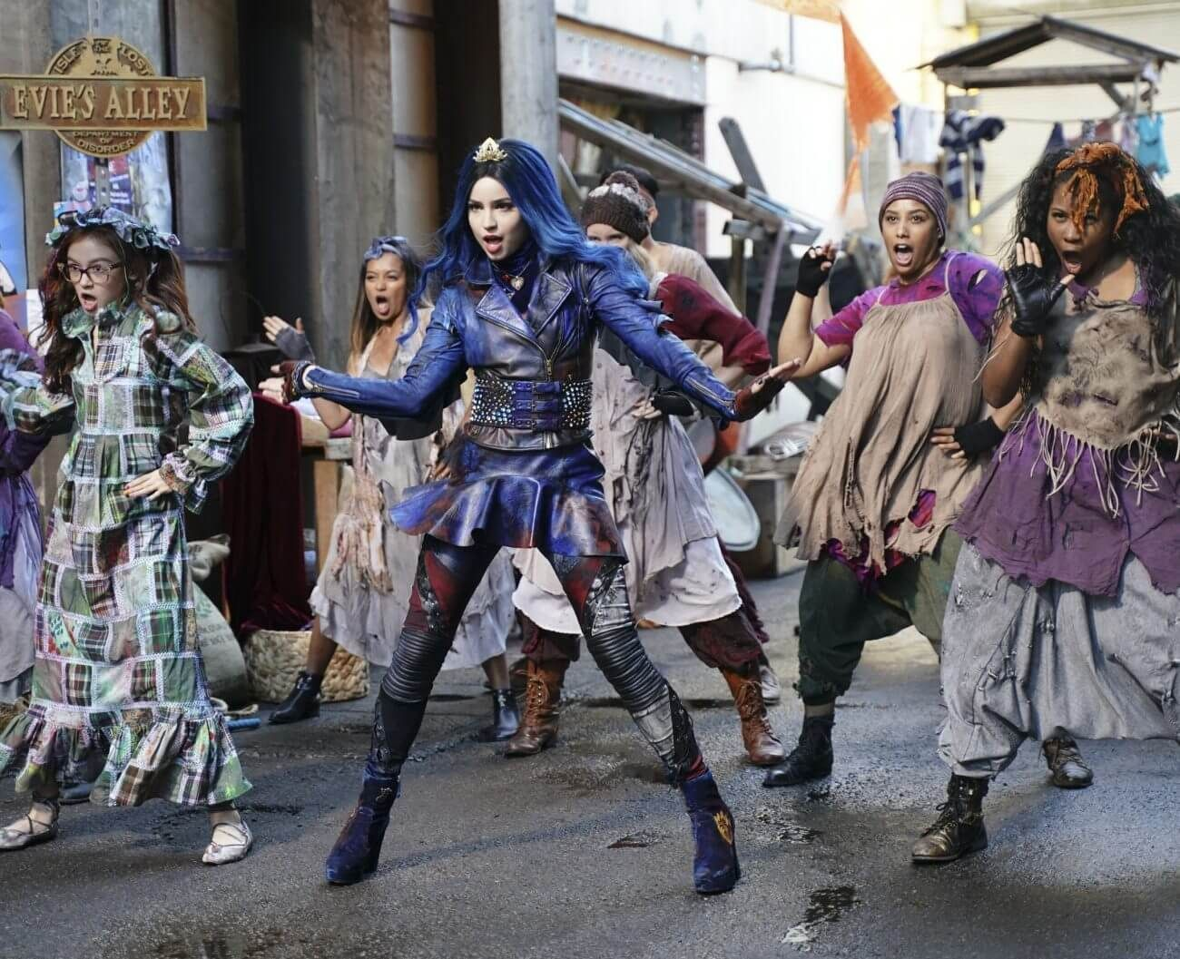 Descendants 3 says its Good to Be Bad in new video and announces movie release date #descendants3