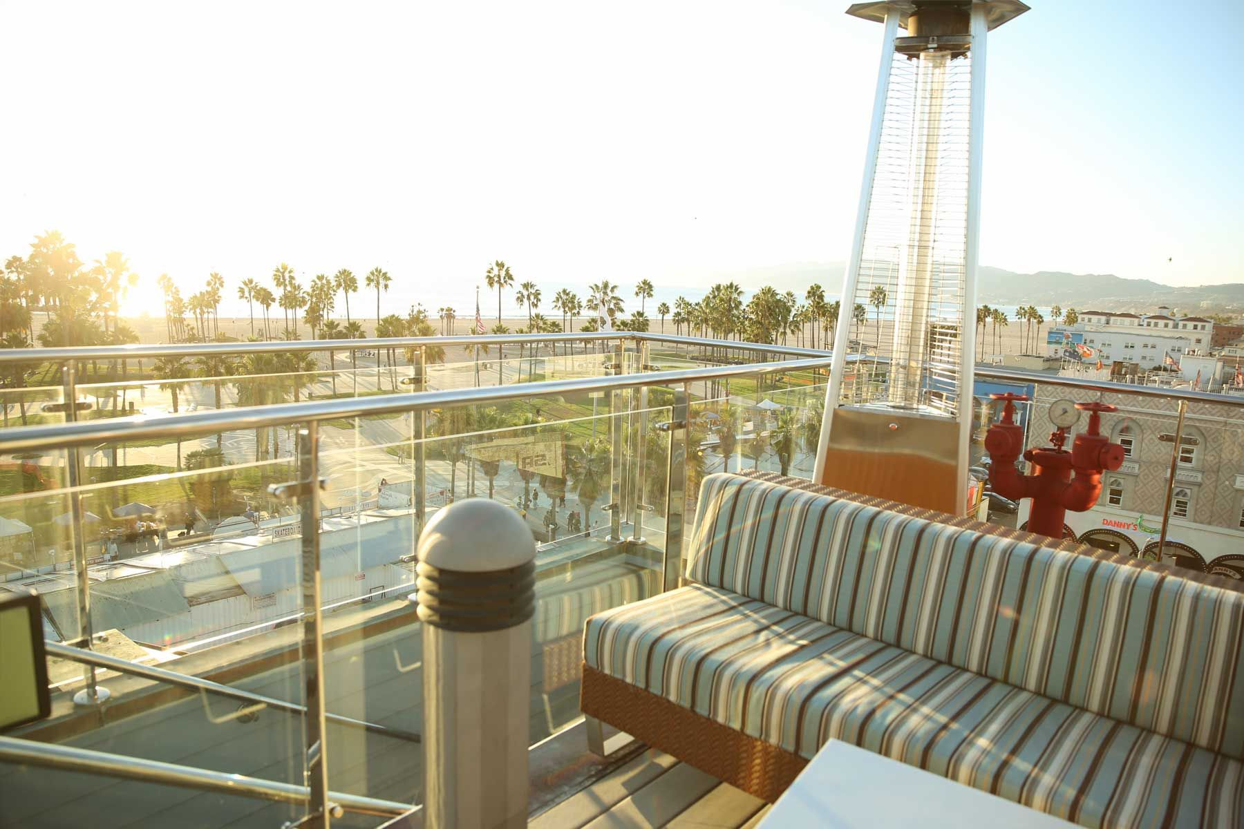 High Rooftop Lounge Hotel Erwin Venice Beach Ca