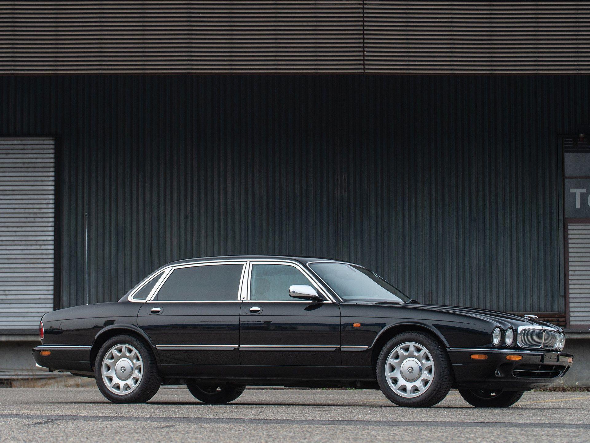 2001 Daimler Super V 8 With Images Jaguar