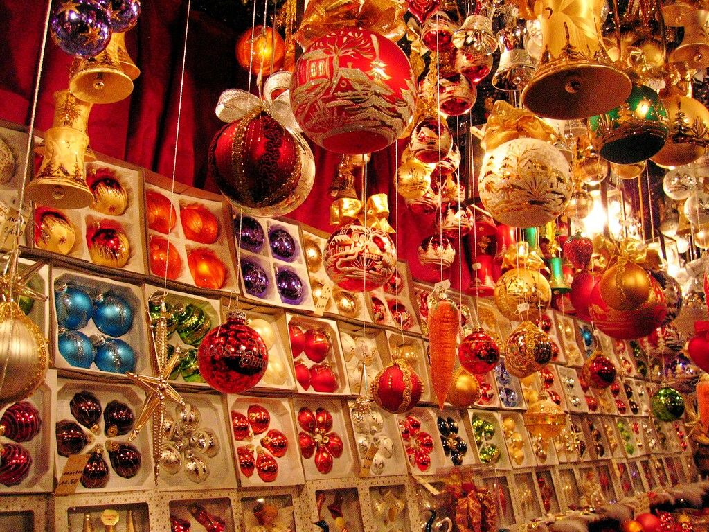 German glass ornaments - I Love German Glass Ornaments In The 1880s The American Magnate F W Woolworth Discovered Lauscha S