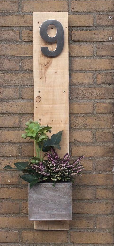 De namen moeten er nog op maar van een palletplank mooi for Huisnummerbord maken