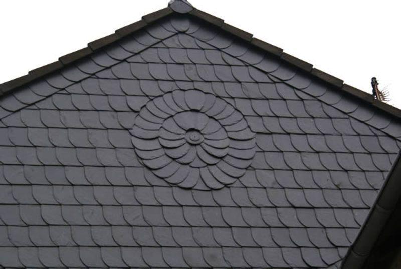 Cordes Bedachung In Stuhr 28816 Dachdecker Com Schiefer Fassade Fassadenverkleidung Fassade