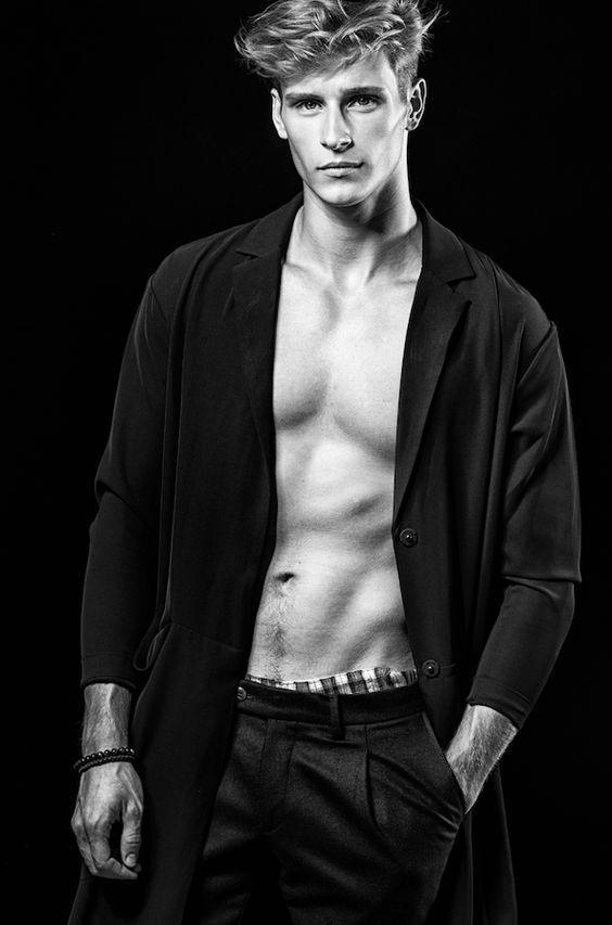 Nicolas Demunter | vfv | Model, Runway models et A good man
