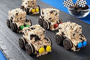 Ingredients 3 tbsp butter or margarine 1 pkg 10 oz marshmallows a perfect party recipe oreo crispy treat cars ccuart Image collections