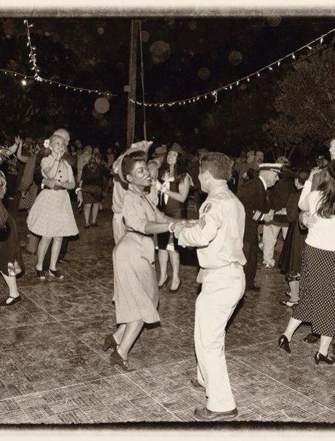 More dancing at The Great Los Angeles Air Raid!
