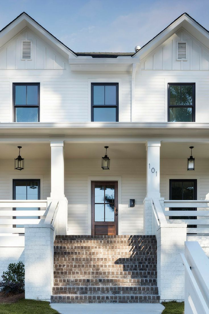 34 Samples Of Modern Houses Most Popular Exterior Design: Dreamy White Modern Farmhouse Exterior! Love That Paint Color: Sherwin Williams Natural