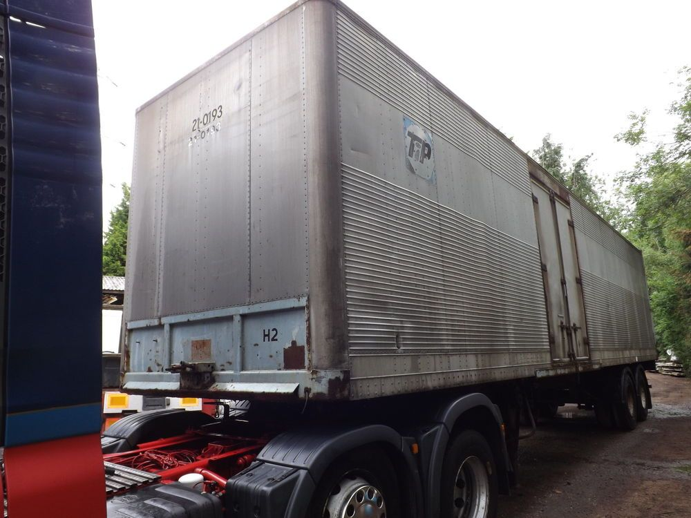 9e550a3649 40FT CRANE FRUEHAUF ALUMINIUM BOX TRAILER in Cars