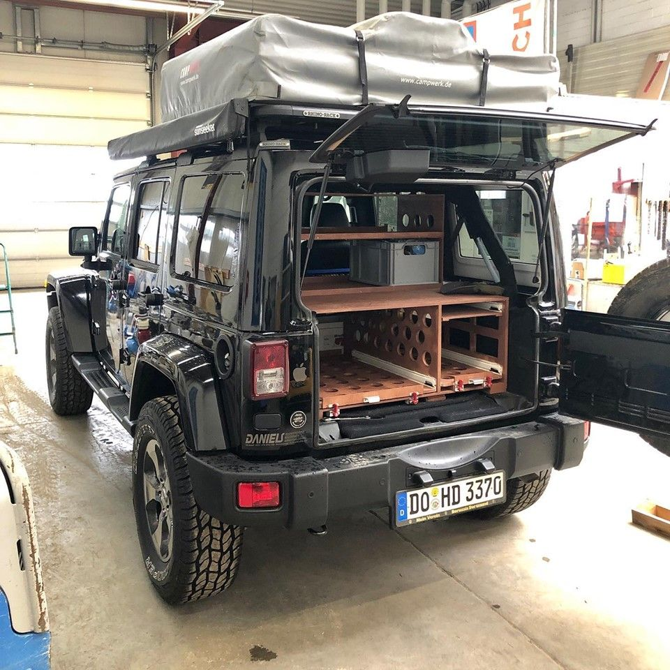 Jeep Wrangler Unlimited Jk Unterwegs Mit Dachzelt Und Campingausbau In 2020 Jeep Wrangler Unlimited Jeep Wrangler Camping Ausbau