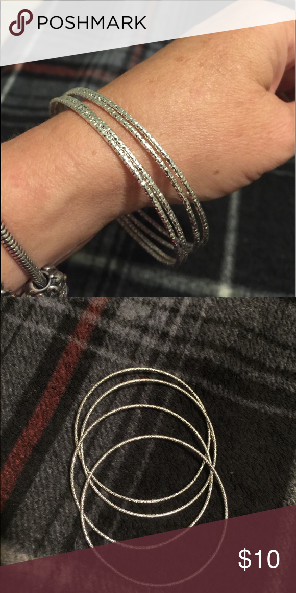 Set of four dainty bangles