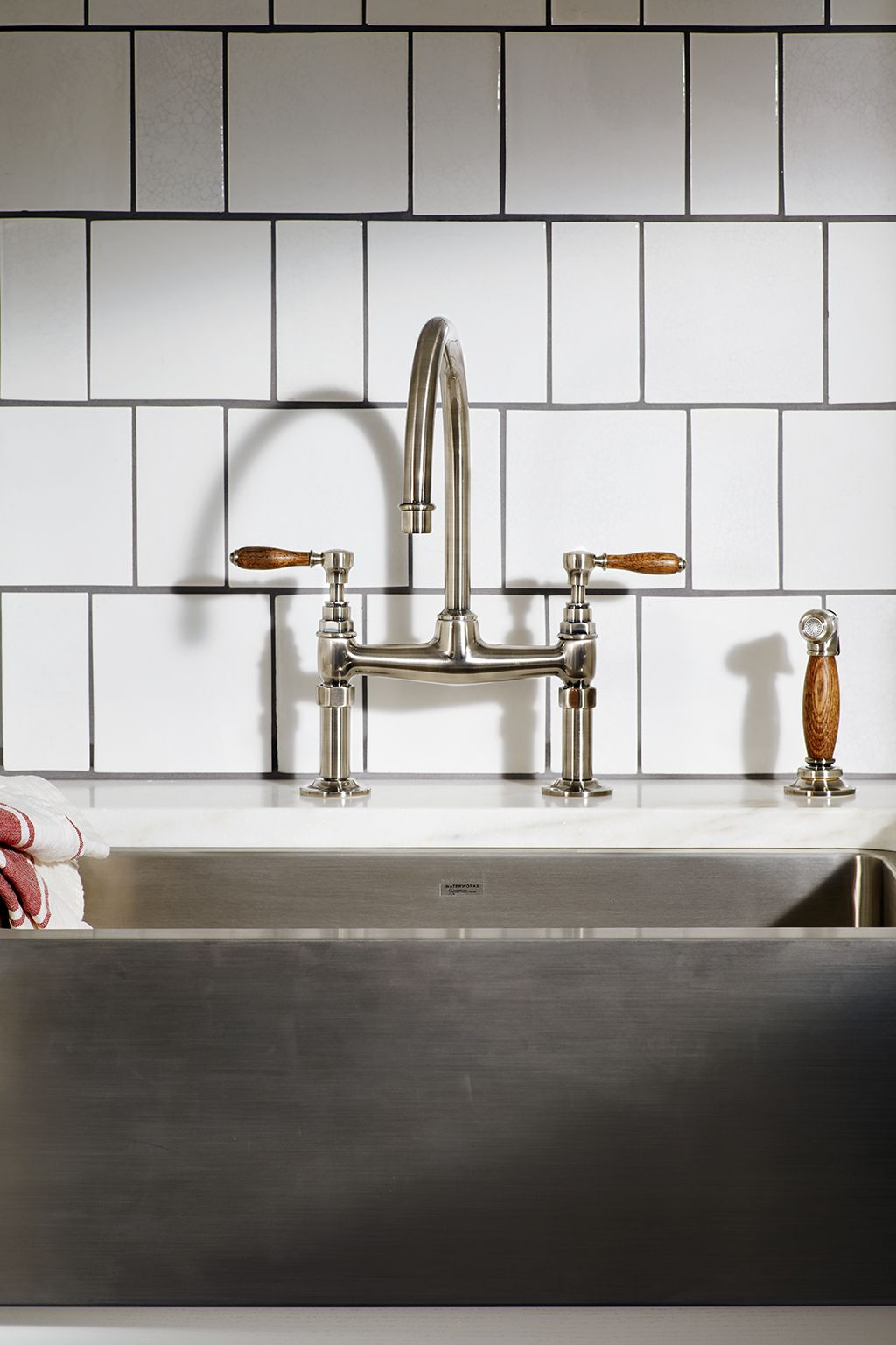 Easton Vintage Two Hole Bridge Gooseneck Kitchen Faucet Oak Lever Handles And Spray Apron Sink Kitchen Farmhouse Apron Kitchen Sinks Gooseneck Kitchen Faucet