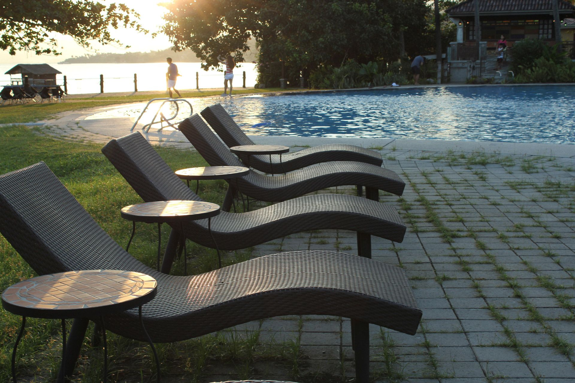 Long Chairs Swimming Pool Wallpaper Free Hd Download High Quality Backyard Pool Designs Swimming Pools Small Backyard Pools Download wallpaper swimming pool on