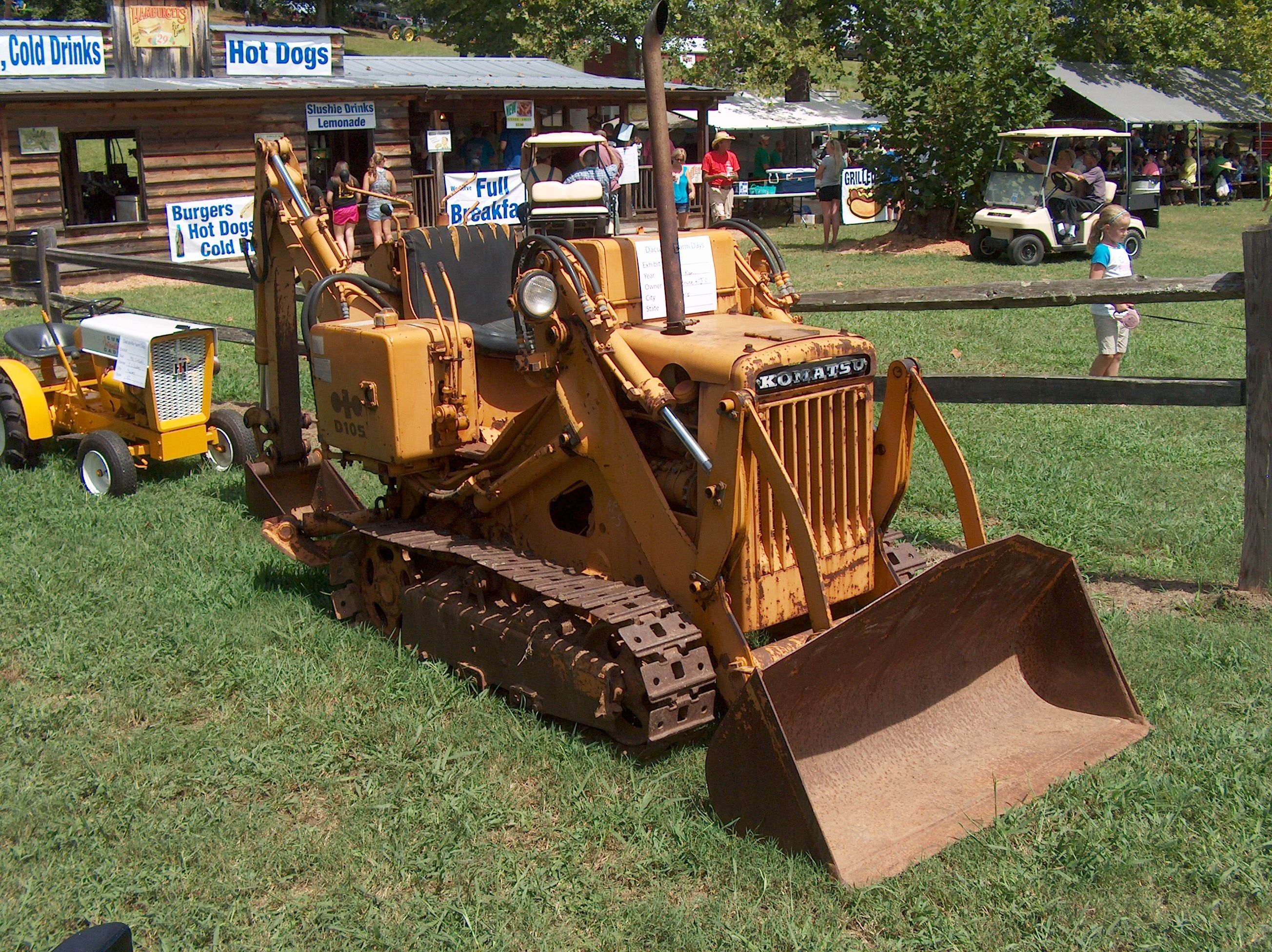 Komatsu D105 with backhoe | Antique Tractors | Crawler