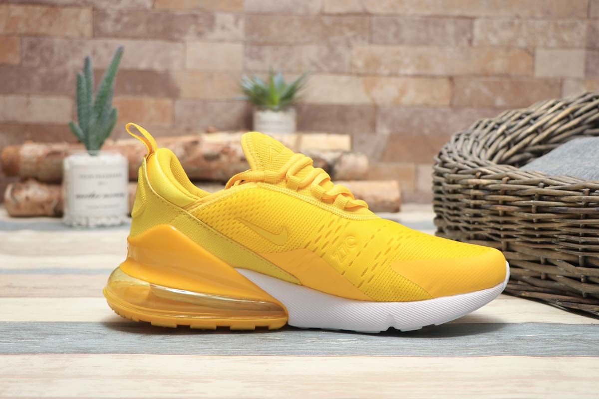08d70425164f Nike Air Max 270 Bright Yellow Mango Pas Cher in 2019