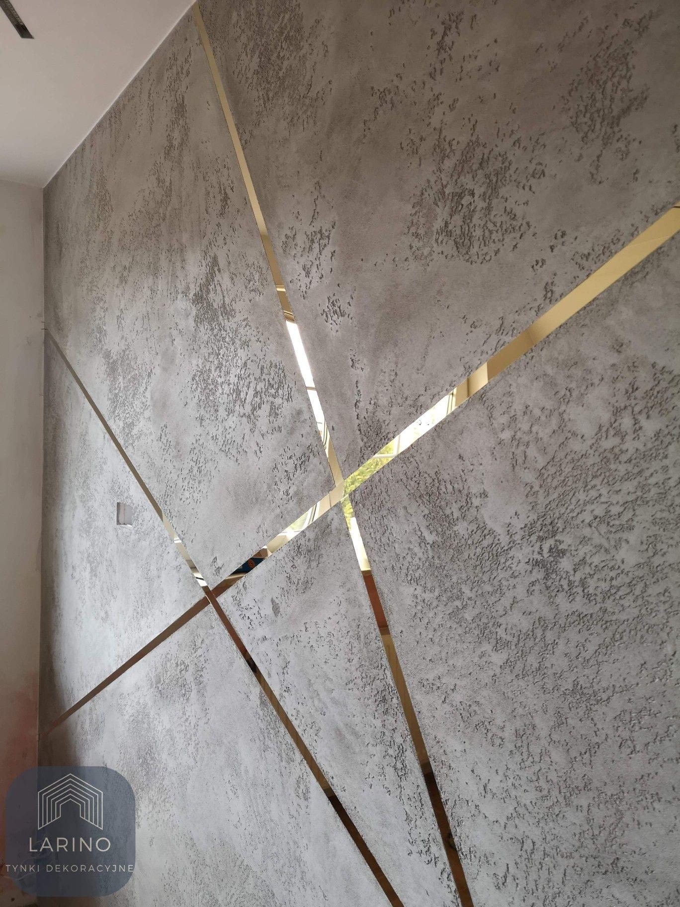 Beton Architektoniczny Ze Zlotym Podzialem In 2021 Home Wall Decor Home Decor Wall Coverings