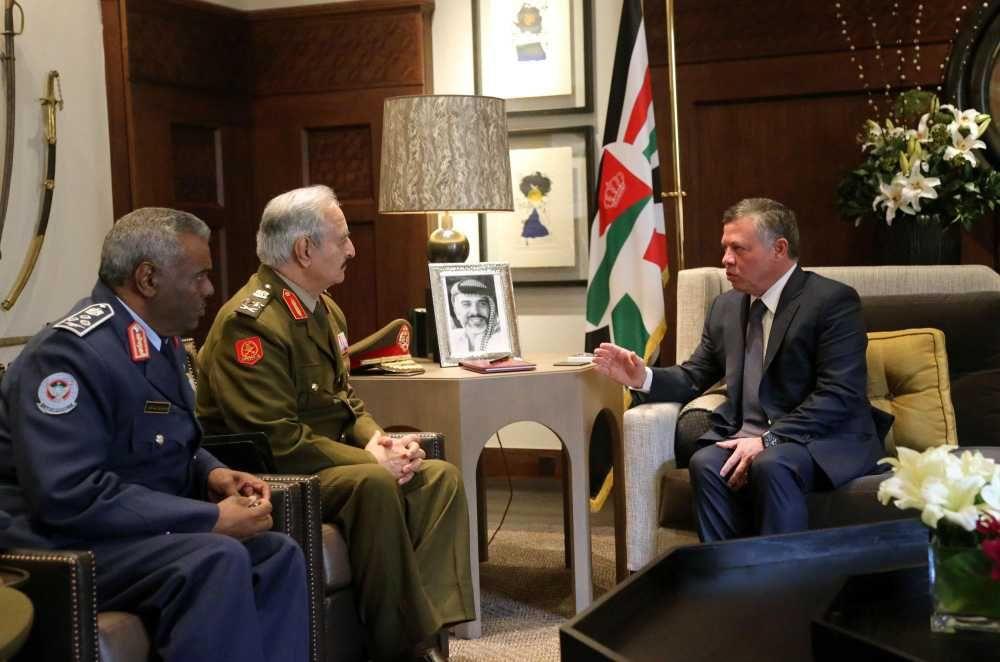حفتر يصل الأردن ويلتقي ملكها وقائد جيشها لمناقشة سبل التعاون العسكري #ليبيا #اخبار_ليبيا #اجواء http://www.ajwa.net