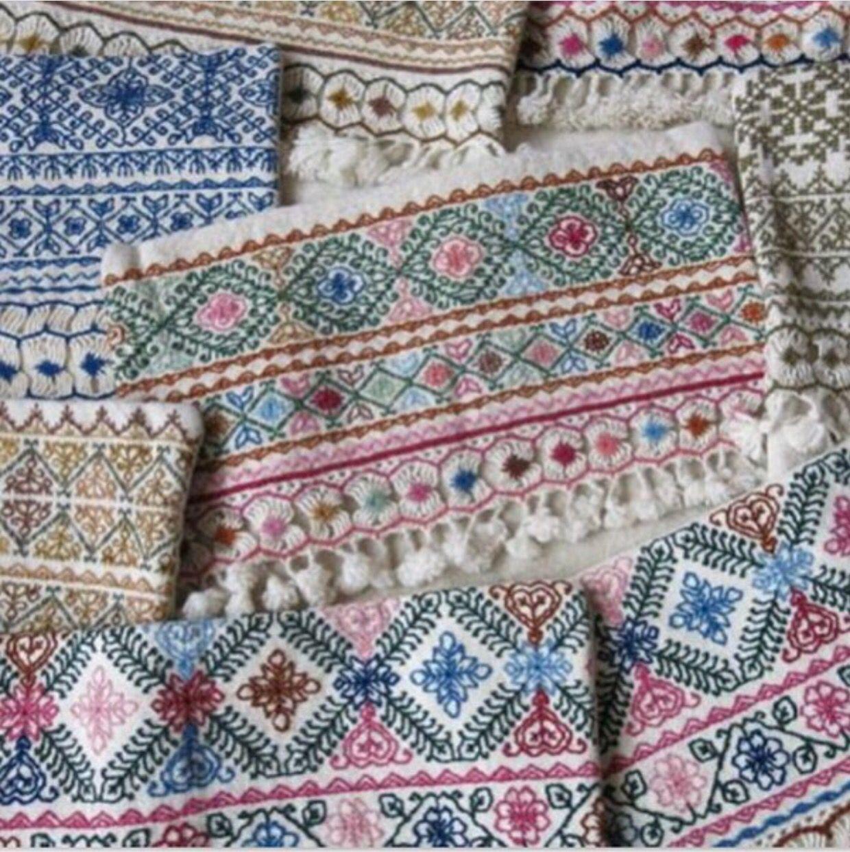 Fibras de lana de borrego tejido en telares de cintura y for Alfombras de borrego