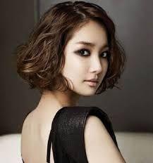 Ini Dia Model Rambut Yang Cocok Untuk Rambut Ikal Asian Hair Asian Short Hair Korean Short Hair