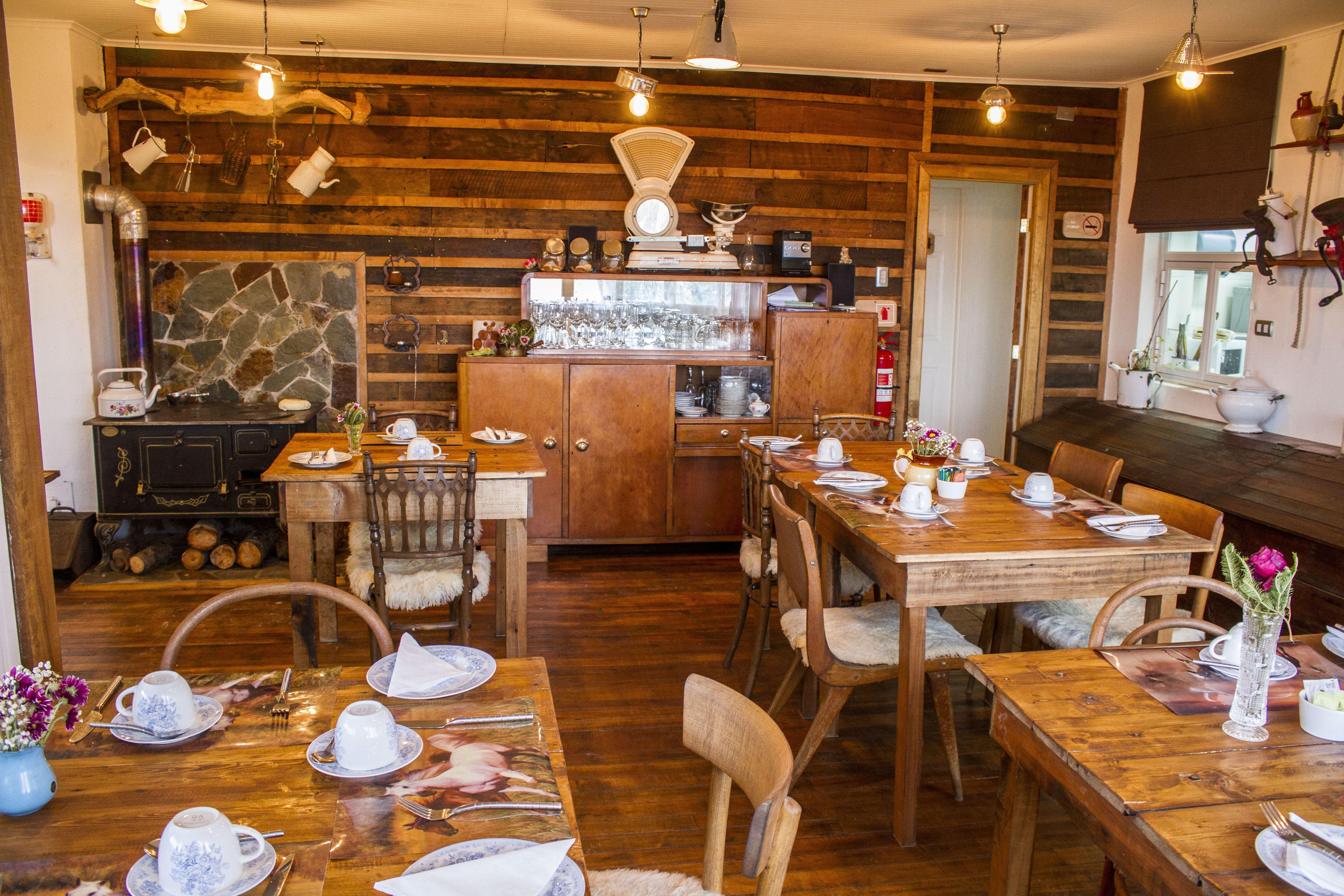 Restaurante Y Cafeter A La Yegua Loca Restaurante Cafeter A  # Muebles Punta Arenas