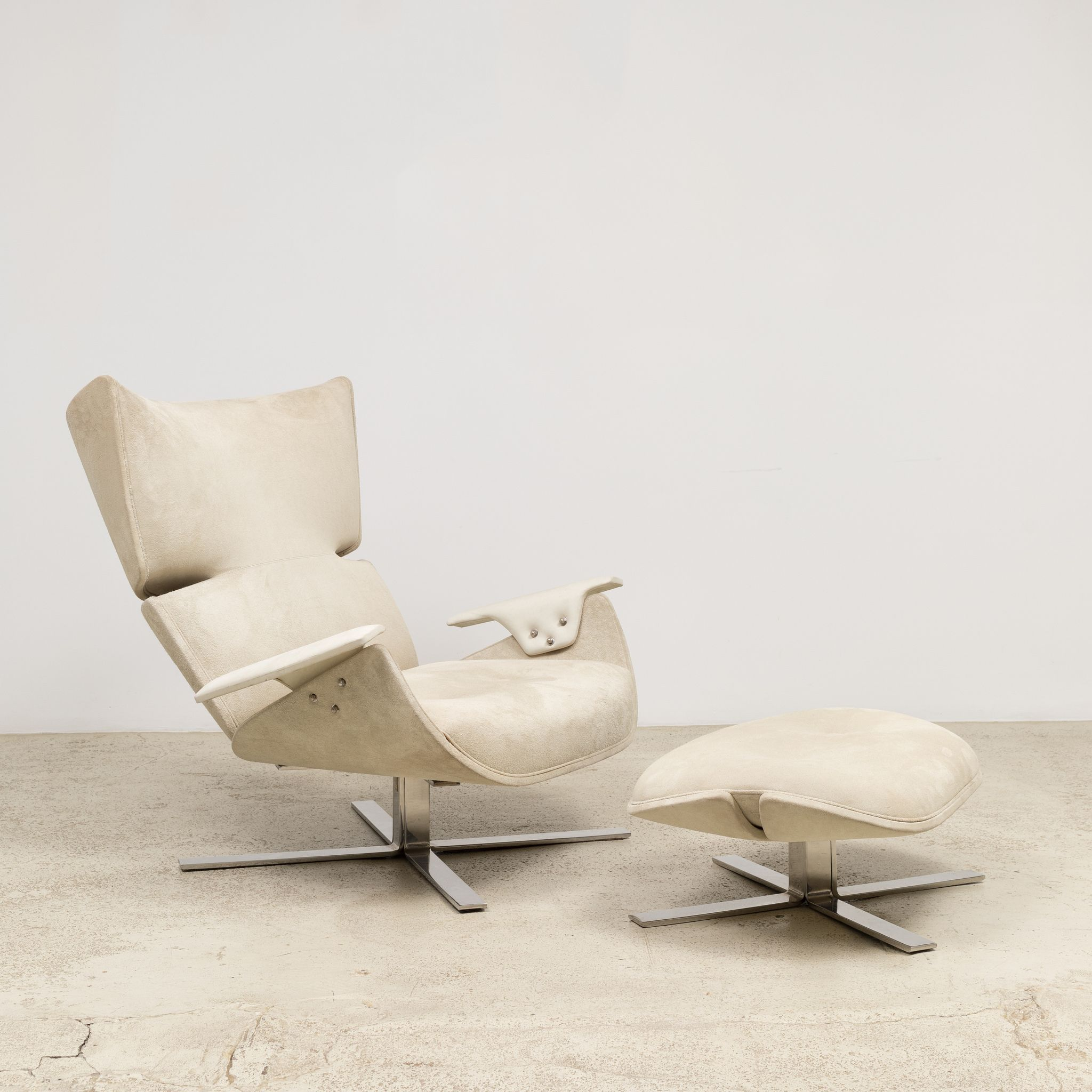 Paulistana Armchair And Ottoman By Jorge Zalszupin Available At - Lobster-and-shelly-lounge-chairs-by-oluf-lund-and-eva-paarmann