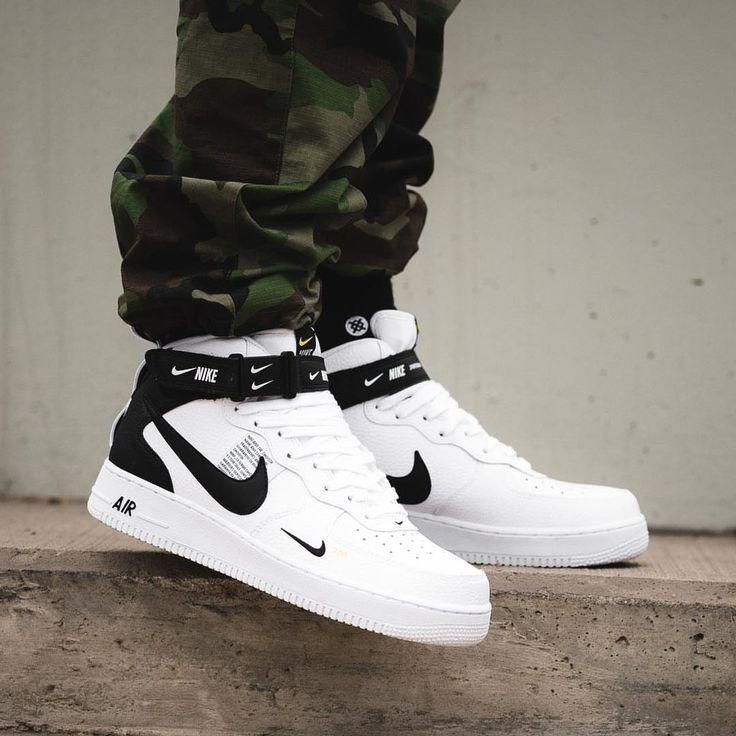 Nike Air Force 1 Mid '07 LV8 White Black em 2020 | Sapatos