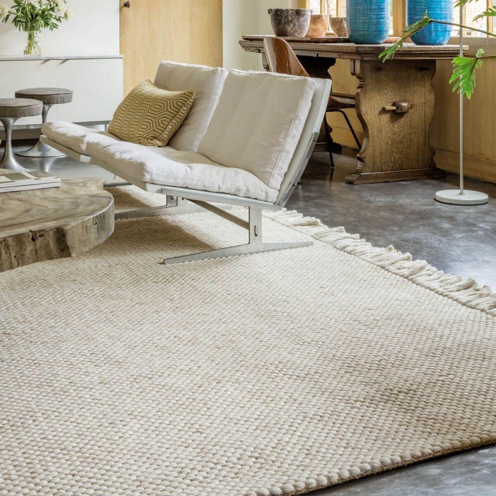tapis moderne beige avec franges en