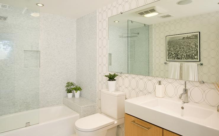 Darcy Wallpape R Contemporary Bathroom Jeff Lewis Design Modern Contemporary Bathrooms Contemporary Bathroom Designs Kitchen Design Modern Contemporary