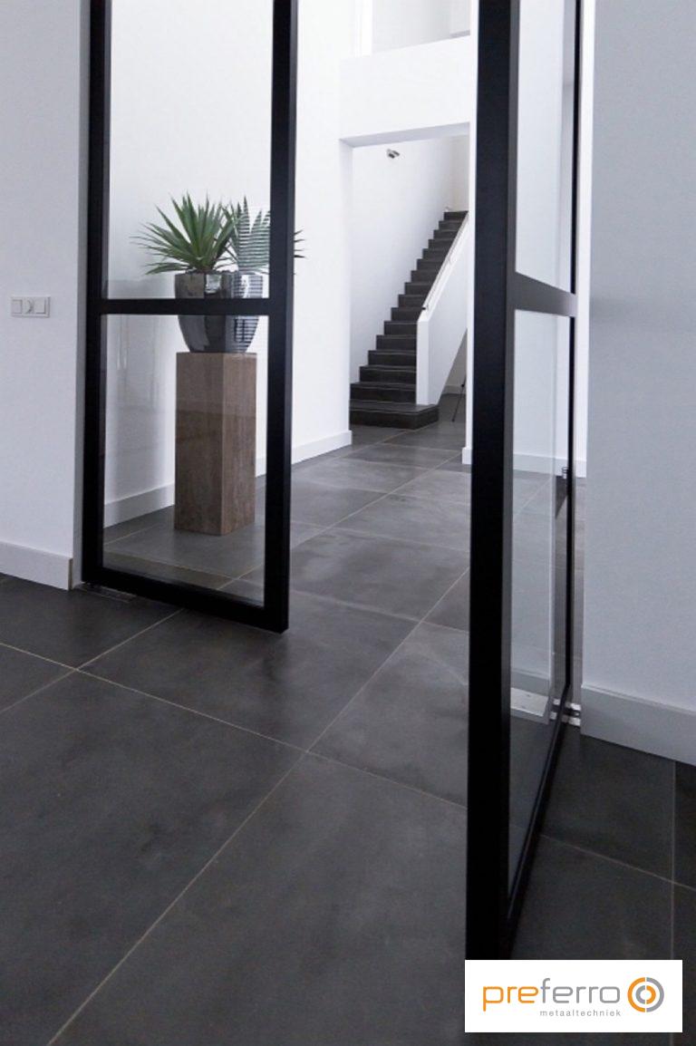 Pin auf Foyer with Stairs & Foyer Design DIY