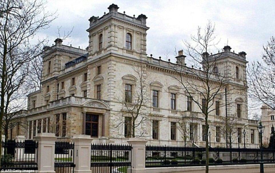 ca0e0a21526541278c04cbea2d3a44a7 - Kensington Palace Gardens London Real Estate