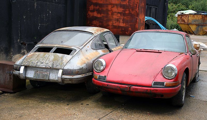 FileAbandoned Porsche Cars At Hatfield Broad Oak Essex England 02JPG
