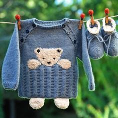 Photo of Babyausstattung 3 Monate Teddybär und Hausschuhe blau und beige neu gestrickt …