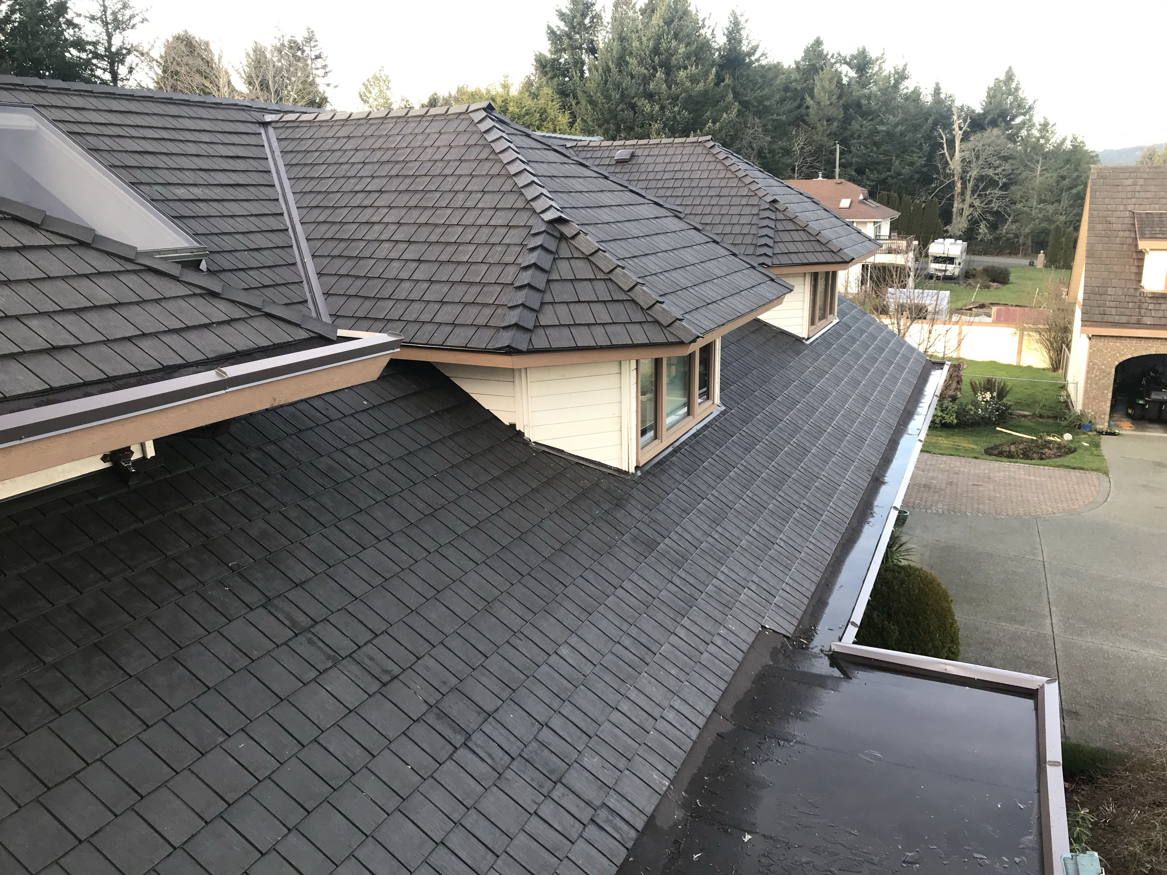 Environmentally friendly rubber roofing system made from ...