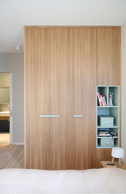 Szafa W Sypialni Sypialnia Styl Nowoczesny Aranzacja I Wystroj Wnetrz Tall Cabinet Storage Built In Wardrobe Wardrobe Design