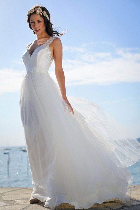 Sleeveless Ivory A Line Beach Wedding Dress Lace Strap And Tulle Overlay