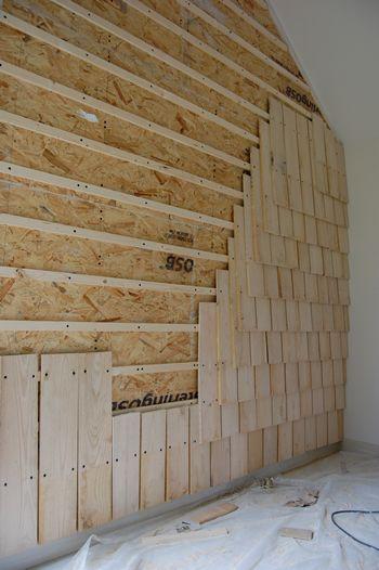 cabane Bardeaux de bois Pinterest Pallets, House and Walls - mur en bois interieur