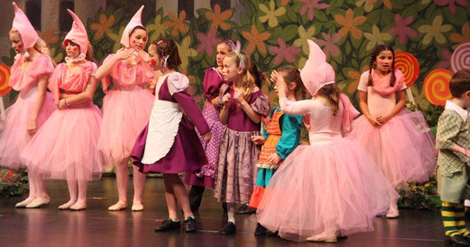oz munchkin costumes | Munchkin costumes including Lullaby League ...