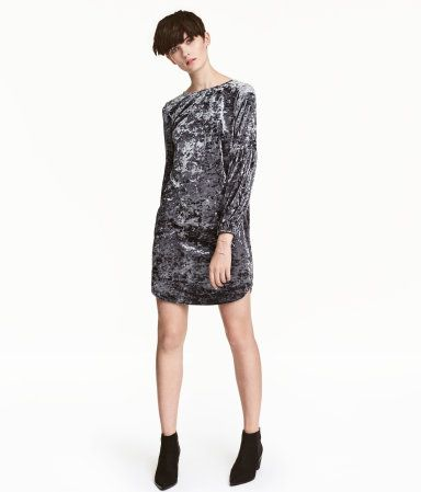 Dark gray. Straight-cut, knee-length dress in crushed velvet. Wide neckline, long sleeves with gathered seam at elbow, and narrow elastication at cuffs.