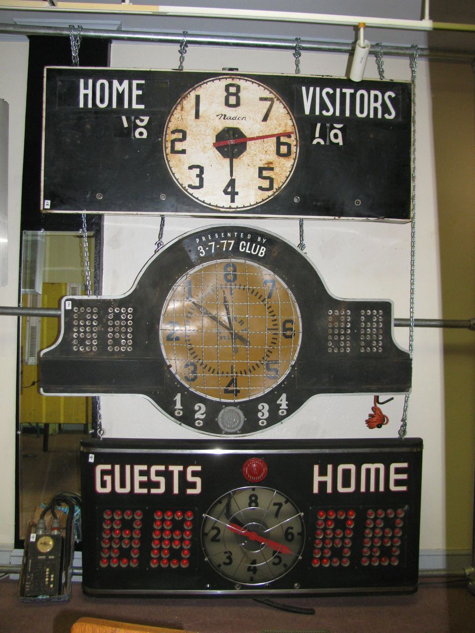 Vintage Basketball Scoreboard Vintage Sports Bedroom Sports Themed Room Vintage Sports Decor