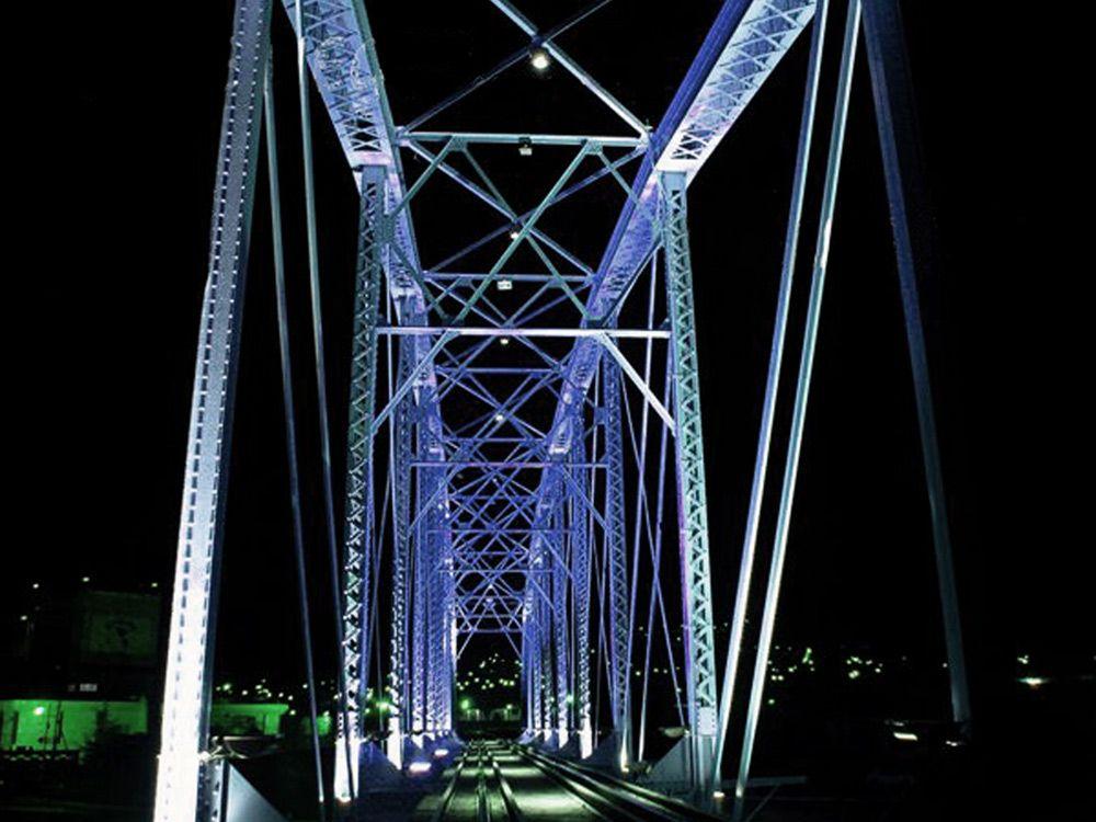 Puente Negro / Proyecto de iluminación: Noriegga iluminadores / Ubicación: Chihuahua, Chihuahua, México / Año: 2004