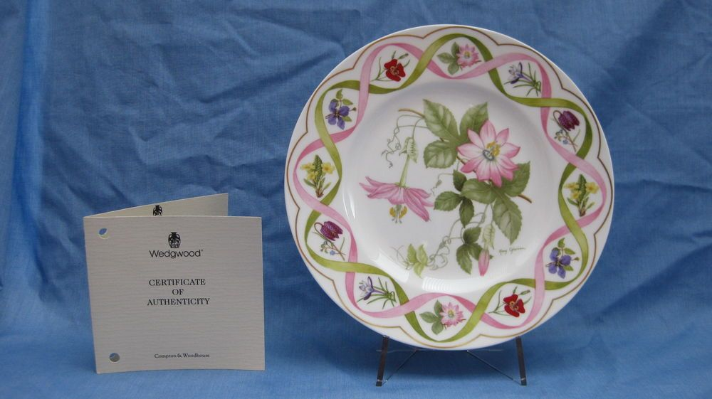 Wedgwood 'The Flower Artists of Kew' Collector Plate ~ Passion Flowers Plate #DecorativeCollectorPlate