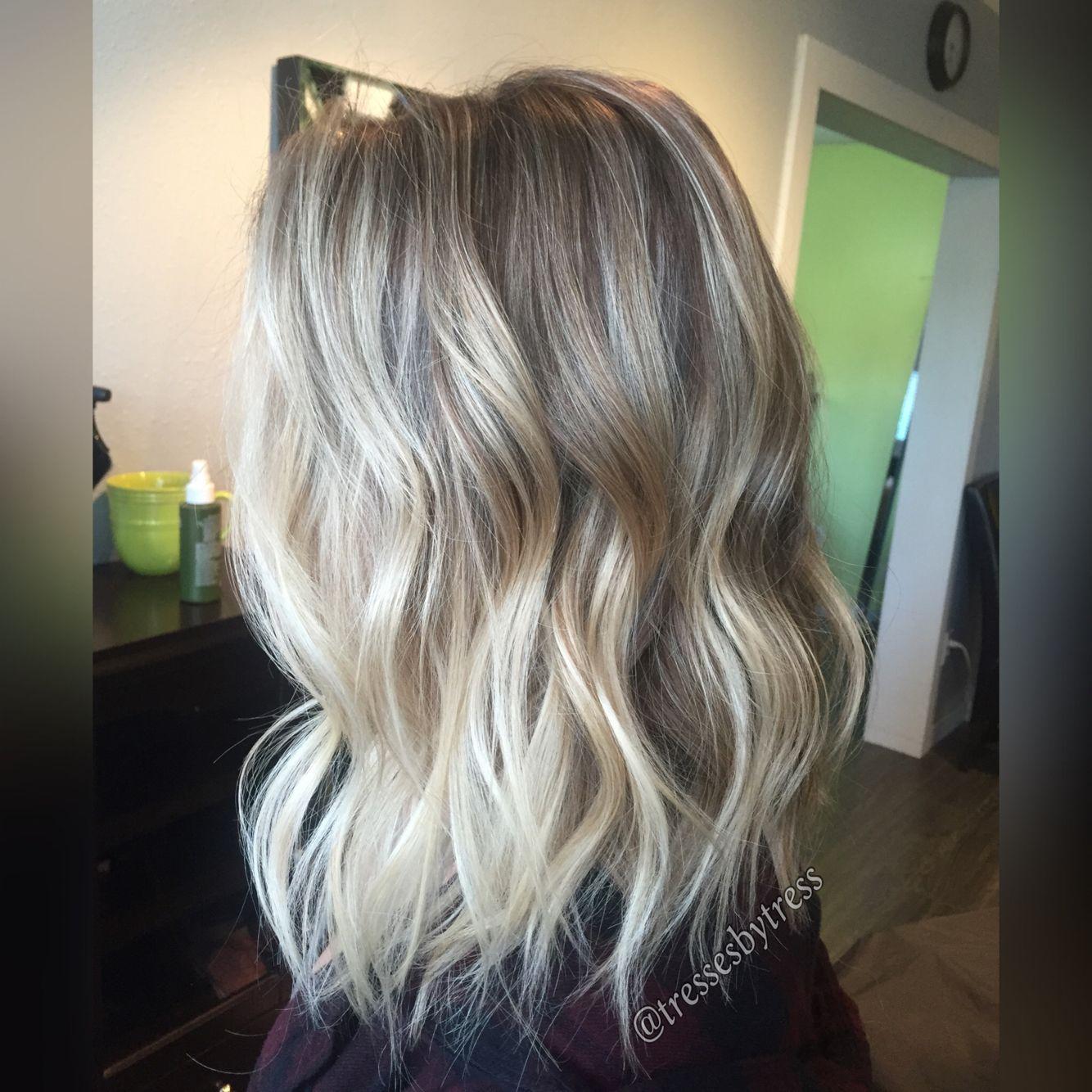 Blonde balayage textured lob #blondehair #blondebob # ...