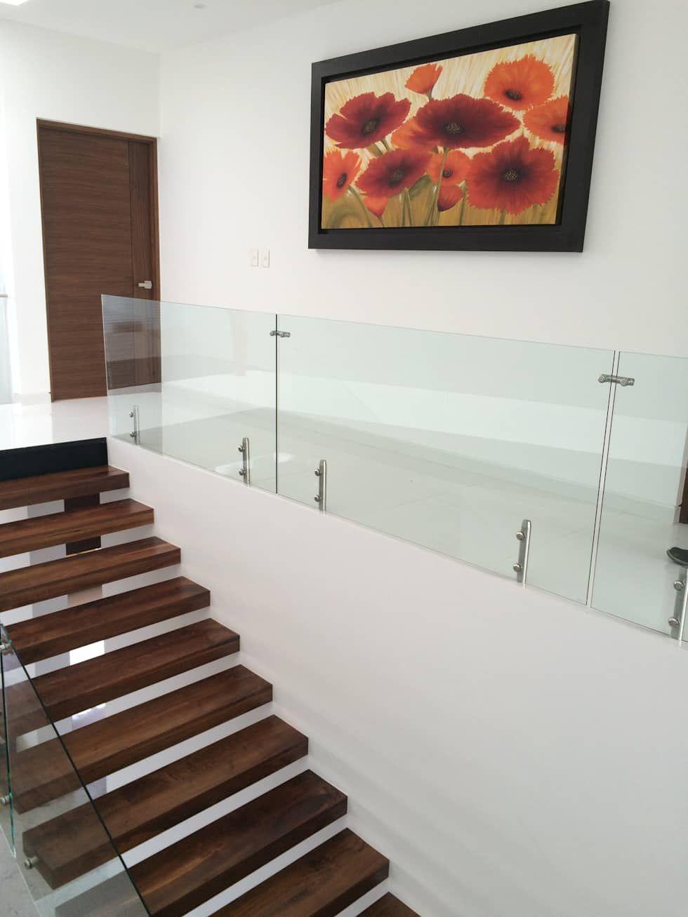 Pasillo, hall y escalera: Pasillo, hall y escaleras de estilo  por AParquitectos