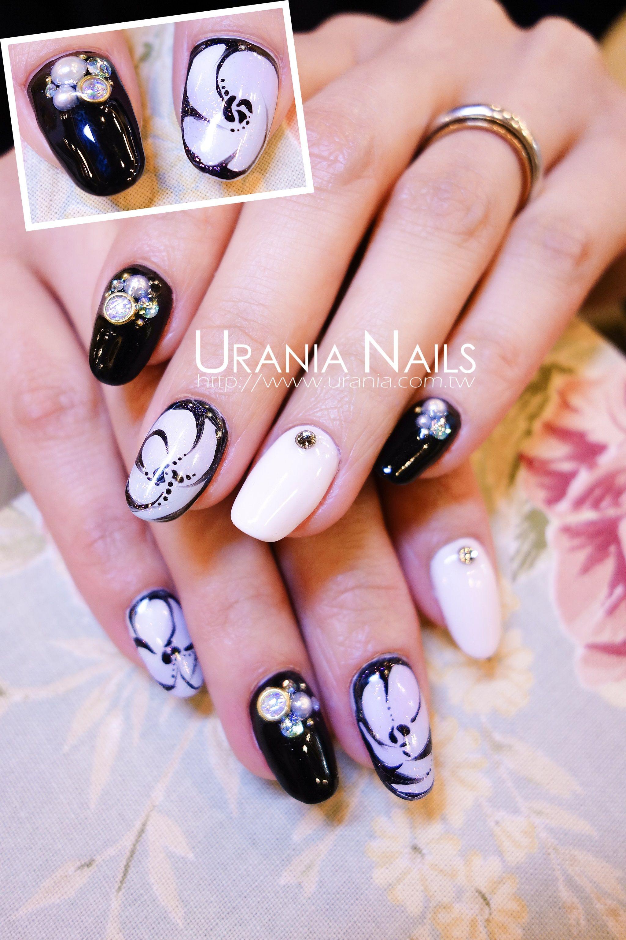 Black & White http://blog.urania.com.tw/?p=135 #nailart #nail ...