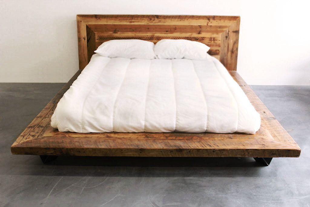impressionnant lit en vieux bois de grange style industriel acier et bois disponible en format. Black Bedroom Furniture Sets. Home Design Ideas