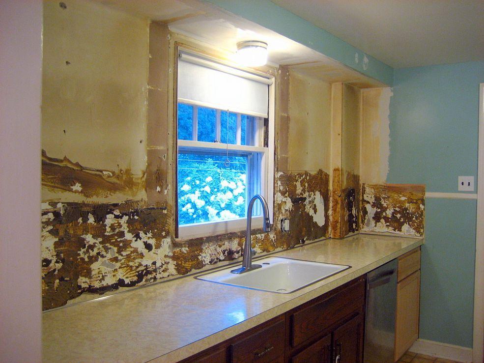 Removing Backsplash Tile