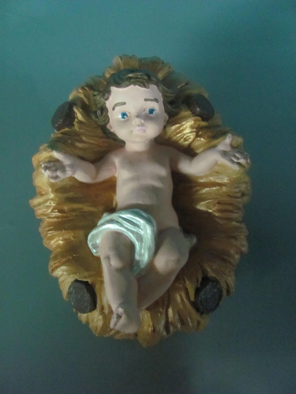 Niño Jesus, pesebre.   Navidad   Pinterest   Pesebre, Pintar y Yeso