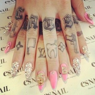 Love The Finger Tattoos And I See A Zia Symbol On There I Will Get These On My Fingers Es Nails Nails Inspiration Bling Nails