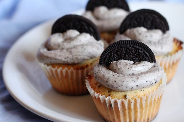 oreo cupcakes Easy to make I used boxed vanilla cake mix but the