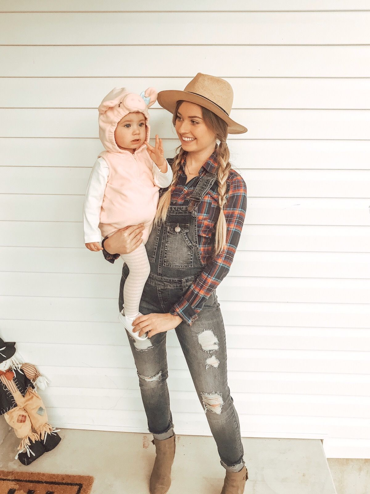 Mother And Baby Halloween Costumes.Mother Daughter Halloween Costume Mommy And Me Costumes Farmer An Daughter Halloween Costumes Mother Daughter Halloween Costumes Baby Girl Halloween Costumes